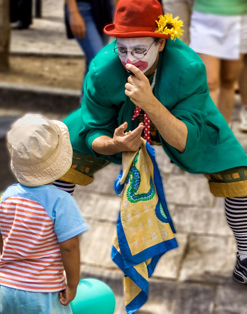 Street Clown: Montreal, Quebec